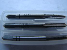 ARTPOL KOMPLET GWINTOWNIKÓW RĘCZNYCH M 3x0,50mm  3szt.